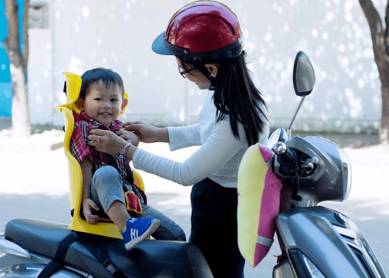 Ghế ngồi xe máy cho bé