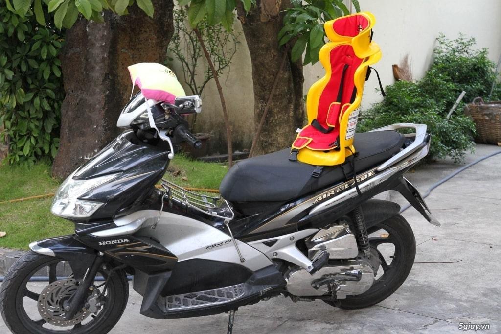 Ghế ngồi xe máy thông minh cho bé