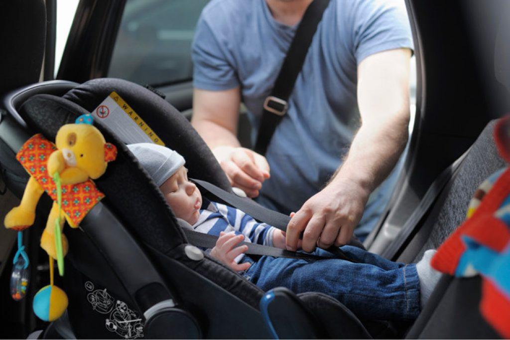 ghế ô tô trẻ em